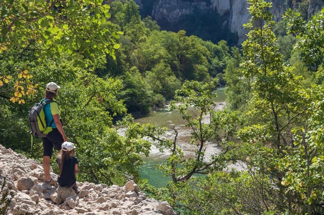 Dans les gorges du Verdon, ne nous aventurons pas sur des itinéraires trop dangereux pour nos jeunes enfants !