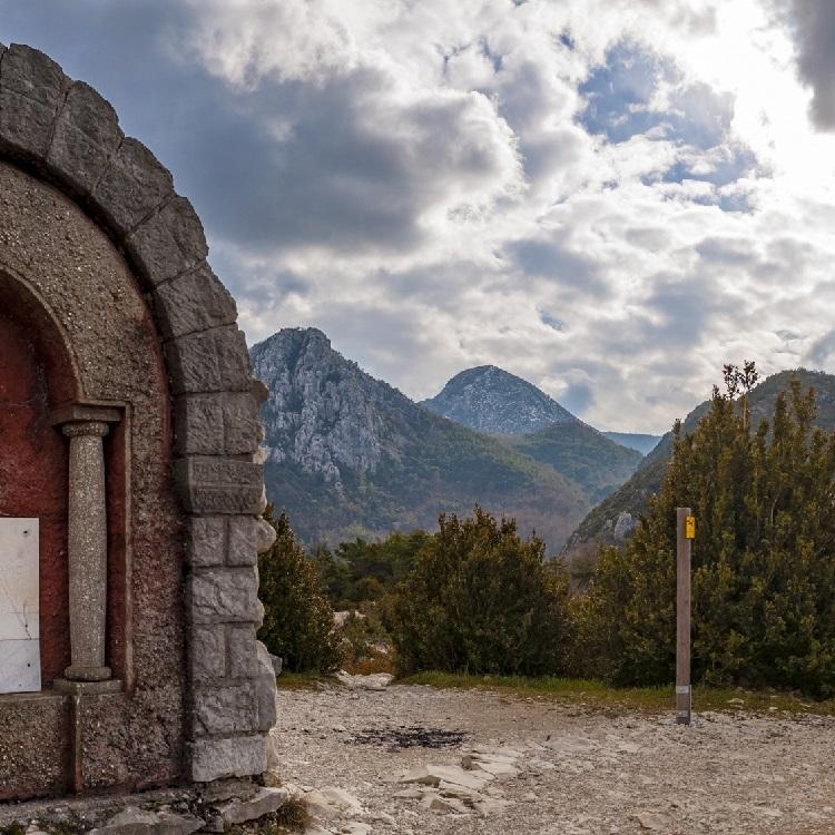 Les randonnées itinérantes incontournables depuis Moustiers-Sainte-Marie