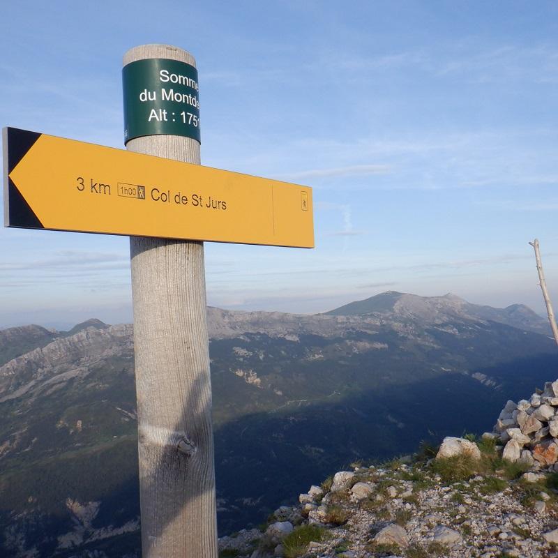 Arrivée au sommet du Montdenier, à 1751 m d'altitude