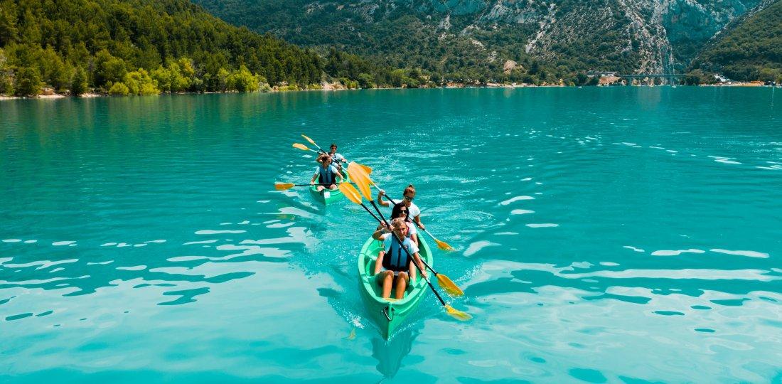 Le canoë sur le lac de Sainte-Croix sera naturellement l'une des épreuves du riche programme de ce raid multisports !