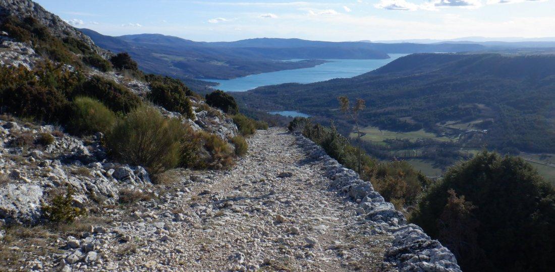 Le chemin de Courchon (ou ancienne voie romaine) sera la cerise sur le gâteau de ce superbe parcours découverte !