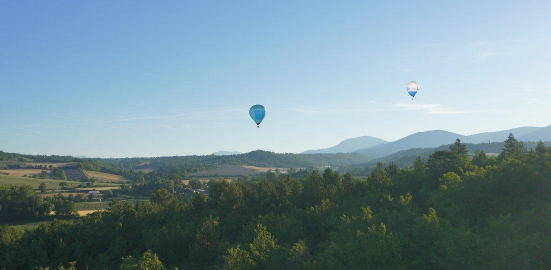 Tout l'offre escalade et activités aériennes de Moustiers et des environs : parapente, montgolfière, etc. ! (©Alpsud Montgolfière)