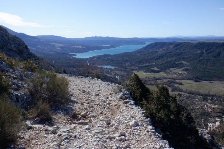 Le chemin de Courchon et ses magnifiques points de vue sur le lac de Sainte-Croix