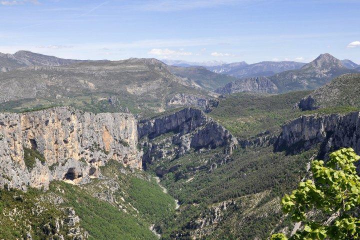"""Le Parc Naturel Régional du Verdon, l'UNESCO Géoparc de Haute-Provence… La """"crèche provençale"""" de Moustiers s'inscrit dans ces deux sublimes & incomparables territoires !"""