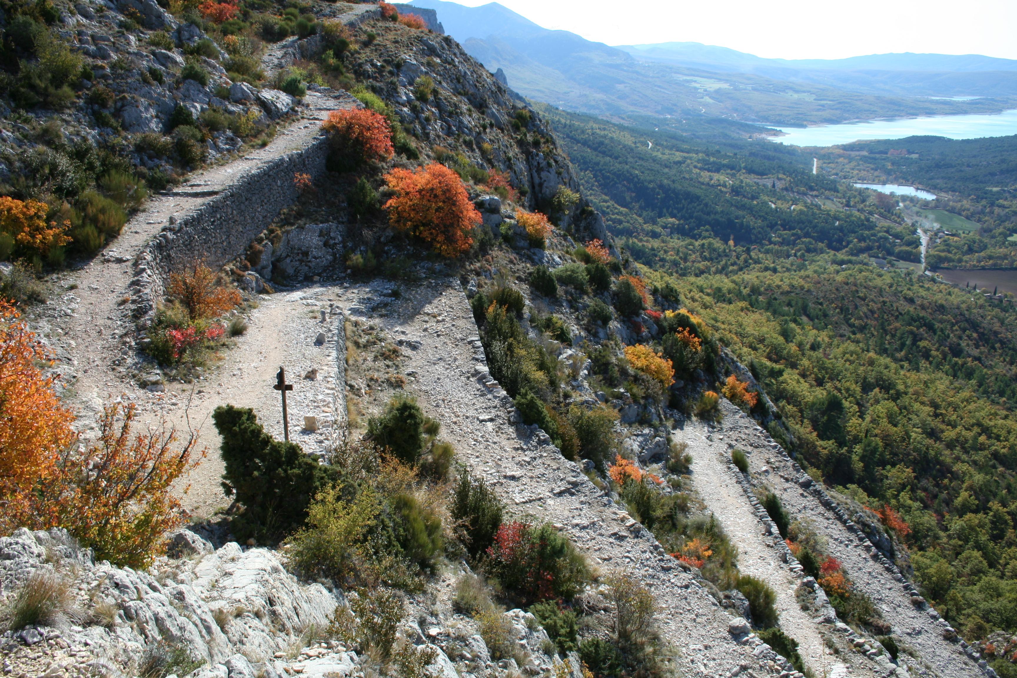 Le Chemin de Courchon : montée incontournable au départ du village !