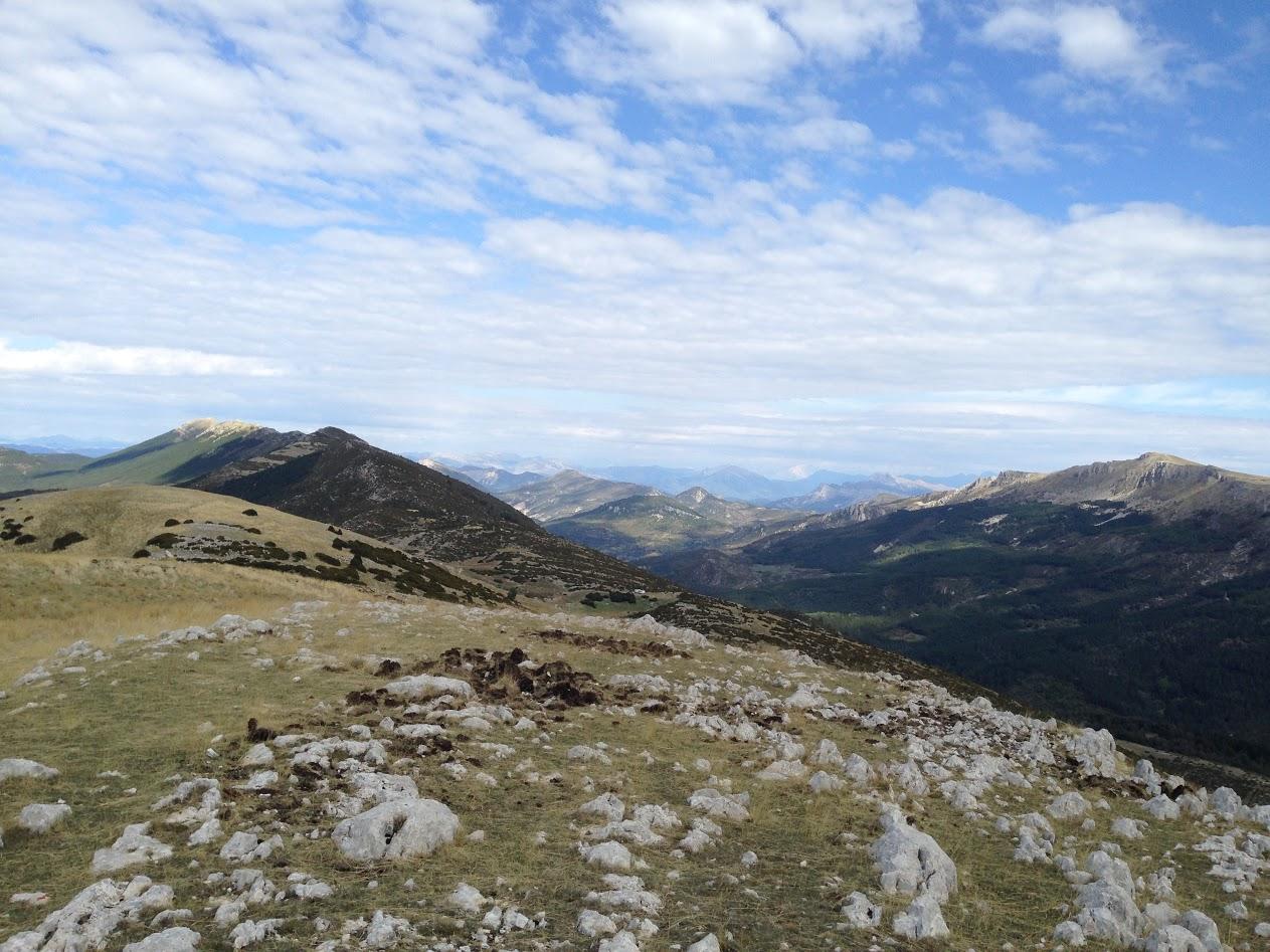 Vu sur les crêtes du Montdenier depuis le sommet du Pavillon.